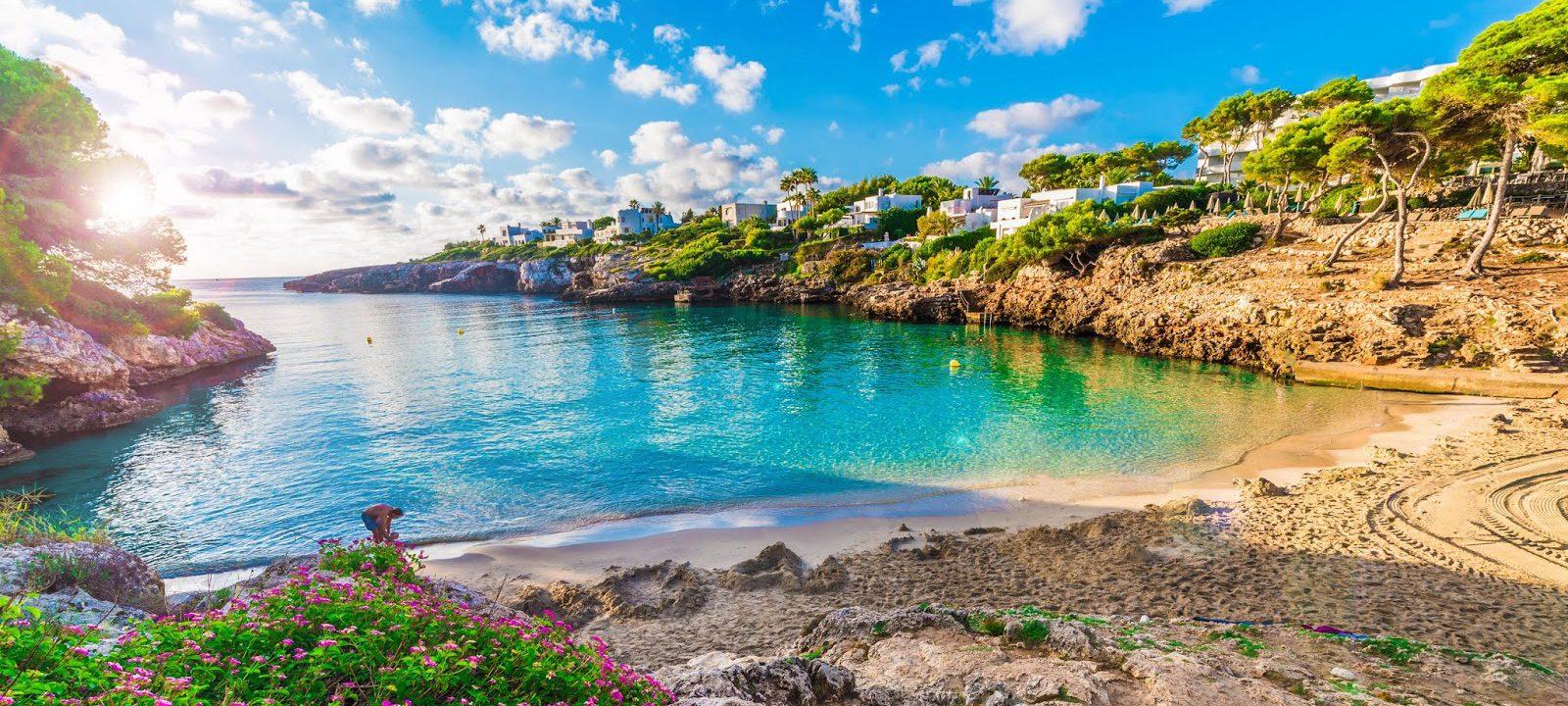 Пролетно море с богат избор от екскурзии на о. Майорка, Балеарски острови