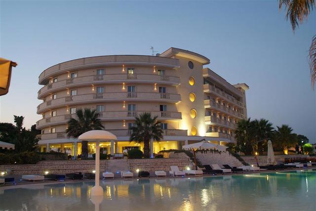 Grand Hotel dei Cavalieri 4*, Южна Италия - Бари