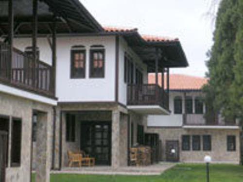 Почивка в Долна баня, България - хотел Вилно Селище Кедър 3•