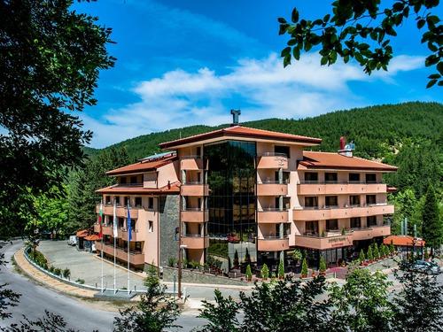 Почивка в Благоевград, България - хотел Хотел Парк Бачиново 3•
