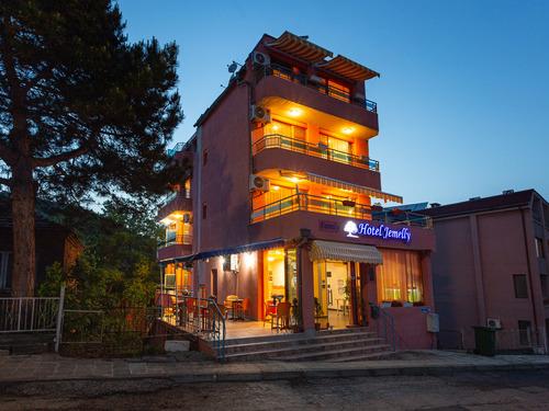Почивка в Обзор, България - Джемелли хотел 3•