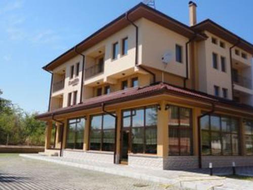 Почивка в Хисаря, България - Камилите хотел 2•