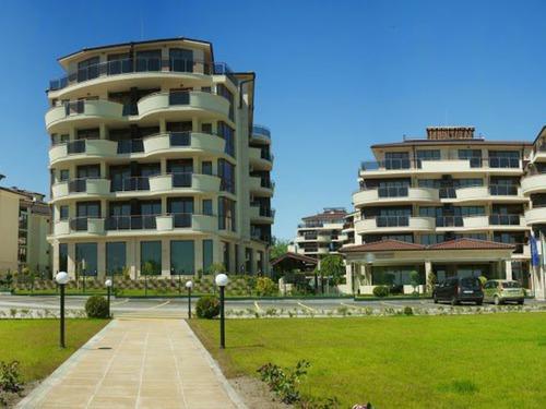 Почивка във Варна, България - Long Beach СПА хотел 5•