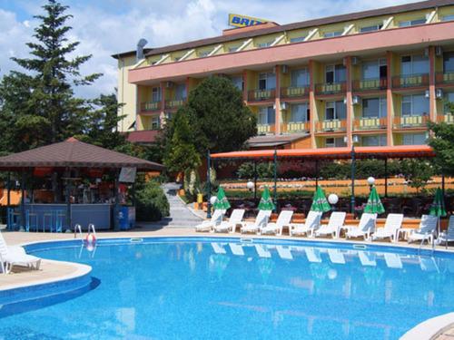 Почивка във Варна, България - хотел Хотелски комплекс БРИЗ 2 3•