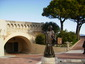 """Статуята на """"монаха"""" Франсоа Грималди. - Казиното в Монте Карло"""