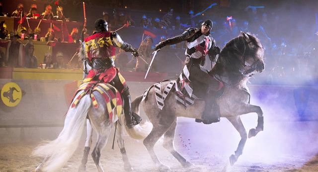 Рицарски турнир и фламенко спектакъл