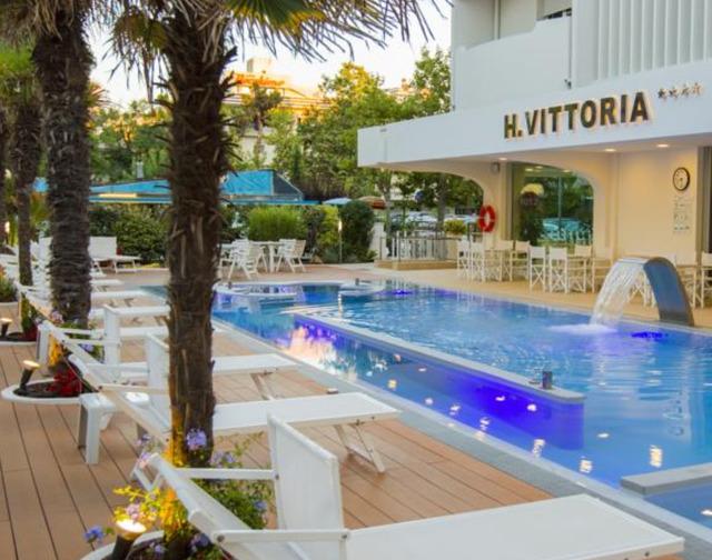 Хотел Vittoria 4* 4•