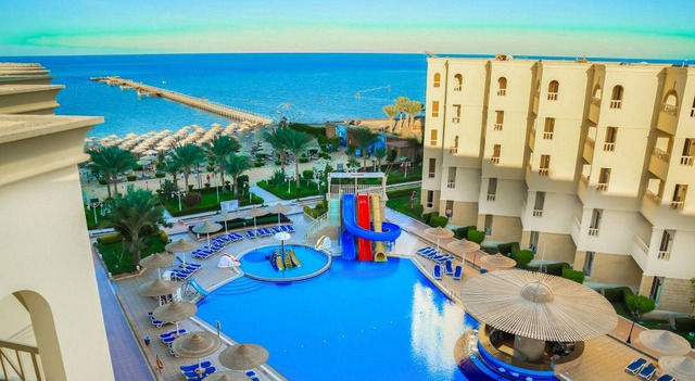 Amc Royal Resort 5 * хотел 5•