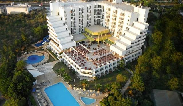 Blue Vista Hill Hotel 5* хотел 5•