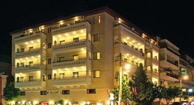 Elina Hotel Apartments 3* хотел 3•