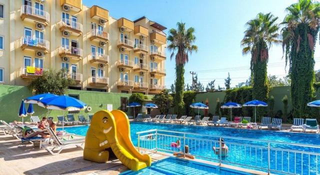 Larissa Hotel 4 * хотел 4•