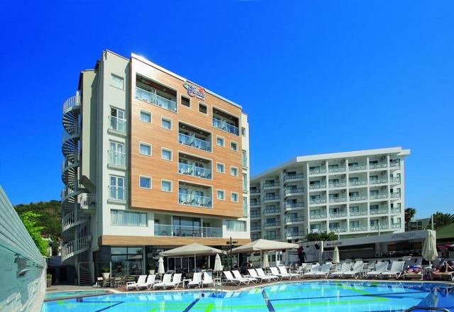 Cettia Beach Resort 4 * хотел 4•