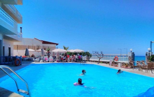 Sunset Beach Hotel Crete 3 * хотел 3•