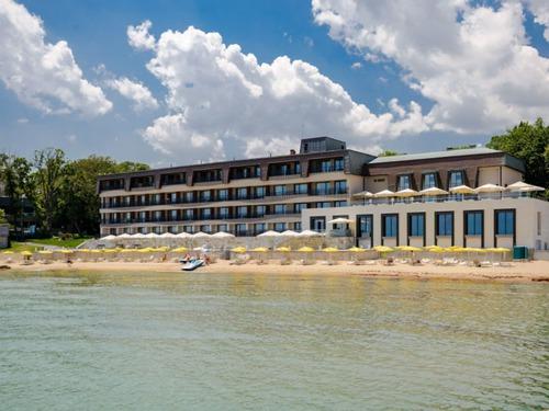 Почивка в  - хотел Хотел Нимфа 4•