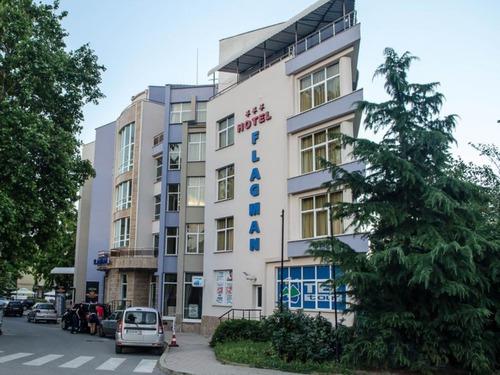 Почивка в Созопол, България - хотел Хотелски комплекс Флагман 3•