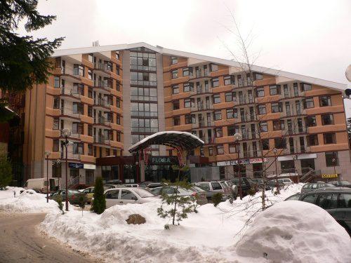 Флора Апартаменти - основна сграда, Боровец