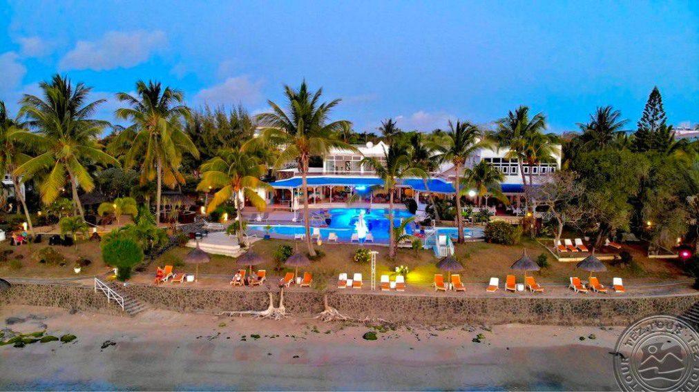 Coral Azur Beach Resort 3 * хотел, Мавриций