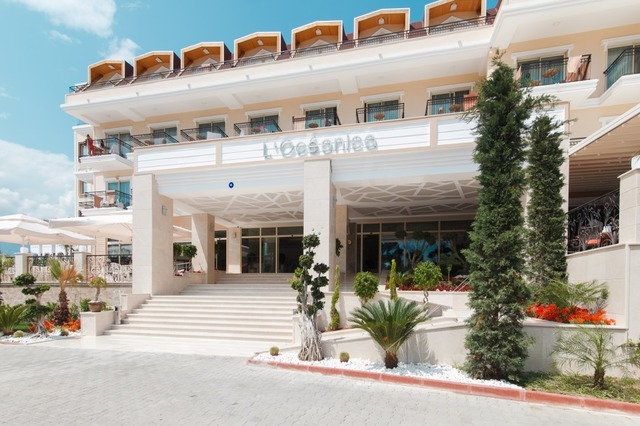 L`oceanica Beach Resort Hotel 5 * хотел 5•