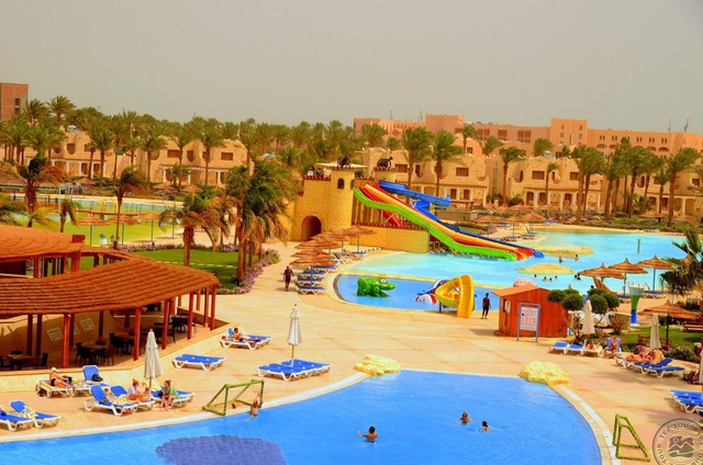 Royal Lagoons Aqua Park Resort Hurghada 5 * хотел 5•