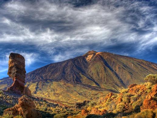 """Национален парк """"Гарахонай"""" е включен в Списъка на световното наследство на ЮНЕСКО. На територията му се разполага една от последните лаврови гори в света."""