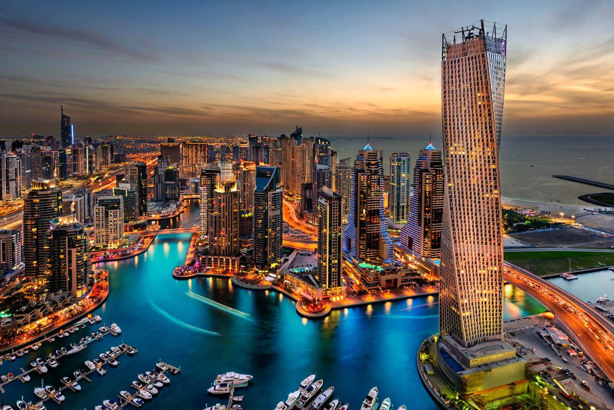 "Потвърдена програма с обслужване на български език! хотел ""Hilton Garden Inn Dubai Mall of the Emirates"" **** и хотел ""Hawthorn Suites by Wyndham Abu Dhabi City Center"" ****"