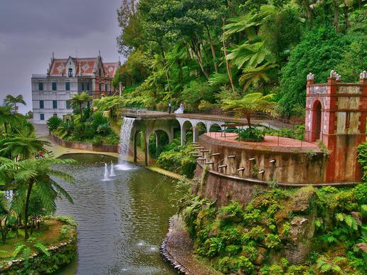 Наречен 'плаващата градина' на Атлантическия океан, островът е португалският еквивалент на Райската градина.