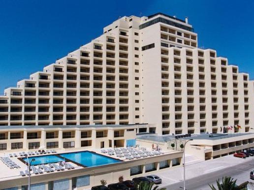 "Хотел ""Yellow Praia Monte Gordo"""